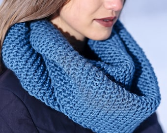 Blue cowl Cowl scarf Knitted cowl Infinity scarf Hand knit cowl Winter cowl Blue winter snood Circle scarf Knit infinity scarf Holiday gift