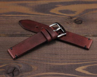 Handmade burgundy watch strap vintage style made of high quality vegetable tanned leather. 18mm, 20mm, 22mm, 24mm. With quality buckle.