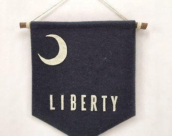 "Felt Flag Banner | ""Moultrie Flag (Liberty Flag)"" 