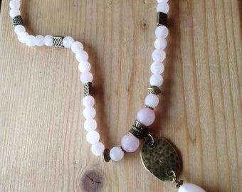 Adjustable short necklace * beautiful day *, rose quartz