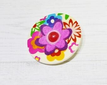 Pink flower brooch, button pin, flower brooch, flower pin, gift for mum