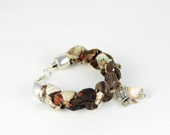 Brown and beige fabric, charm and Pearl Pearl shell bracelet