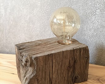 Lamp to ask wooden to filament bulb. Bedside lamp