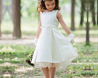 Belle robe blanche fille