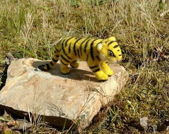 Needle of felted Tiger, felt animal sculpture, Wildcat, felt figure, wild life, decoration, gift, gift idea, Zoo, cat
