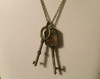 Vintage looking key necklace