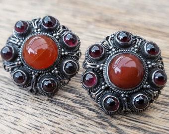 Vintage Silver Etruscan Almandine Garnet & Cornelian Stud Earrings