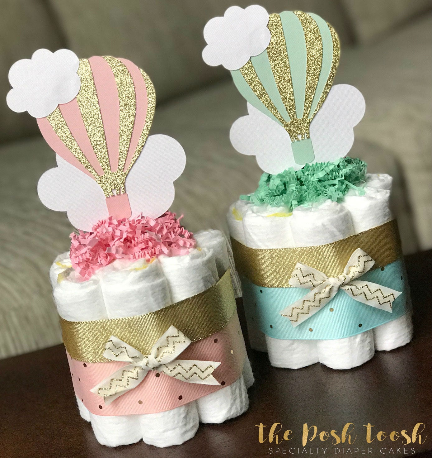 Hot air balloon diaper cake baby shower centerpiece for Baby shower diaper decoration