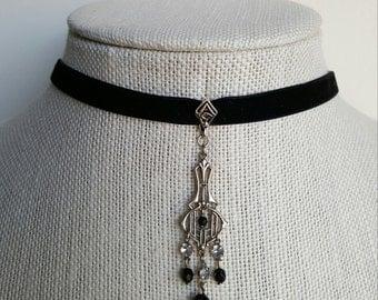 Art Deco Velvet Choker Necklace