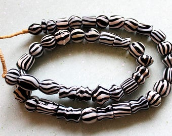 OLD Black & White African Beads - OAG-030