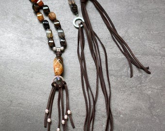 Long Earthy Agate Necklace with a Tasse| Leather| Adjustable