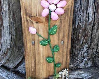 Rock pebble Handmade pink daisy
