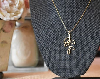 16-inch 14k Gold Chain with Leaf Charm Necklace by FarmHouseCraftMarket