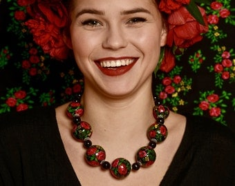 "Ethno necklace ""HIGHLANDER ROSES"" - handmade / in green, white, red, blue, black / original (30mm)"