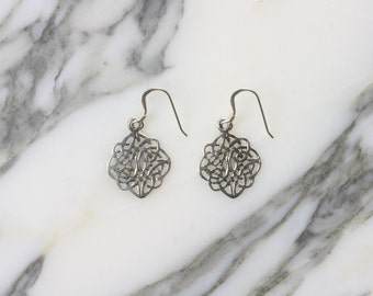 Filigree celtic knot sterling silver earrings (R44)