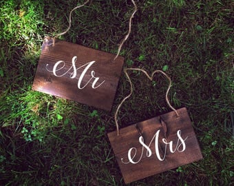 Mr and Mrs Hanging Chair Signs | White on Wood