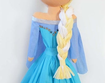 Princess in Blau Piñata