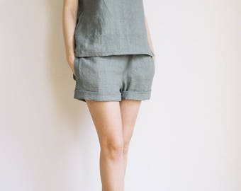 Linen pajama set / Sage green sleepwear set for women
