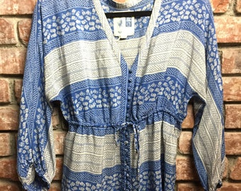 Edme & Esyllte Striped Blue Rose Peasant Blouse Size 6 - Fits LG/XL