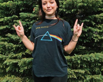Pink FLOYD Dark Side of the MOON T-Shirt // Medium: Large