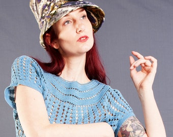 Cute MOD 1960's Paisley TOQUE / Top Hat Style 60's Hat