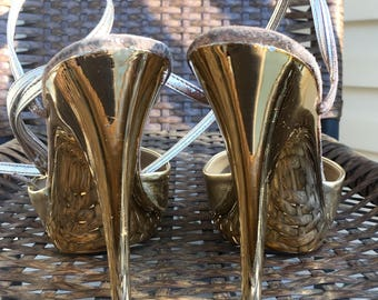 DISCO Days!! Gold METALLIC Fredericks of Hollywood Strappy LEATHER High Heels, 1970s Disco Sandals, Vintage 70's Ankle Strap Shoes, size 5