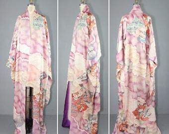 furisode / silk kimono / 1950s / CLOUD CITY vintage floral embroidered kimono