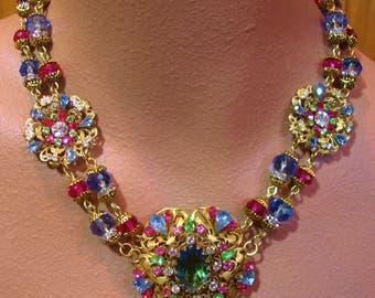 CHARLOTTE statement necklace