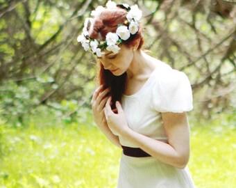 Wild rose crown, Boho bridal head wreath, Bridal headpiece, Floral wreath, White Flower crown, Full floral circlet, White rose crown