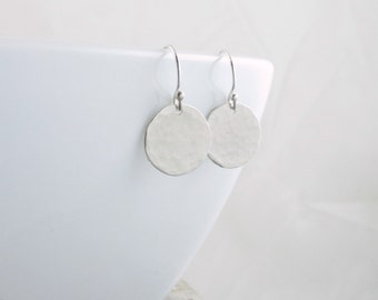 Silver Disc Earrings Circle Earrings Minimalist Jewelry Silver Circle Earrings Dot Everyday Earrings Christmas Gift For Wife Mom Girlfriend