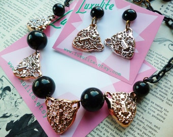 Raaarrr! 1950s 60's style novelty kitsch leopards necklace by Luxulite with optional matching earrings!