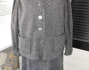 1950s Vintage Gray Tweed Women's Suit with Boxy Jacket 30 Inch Waist