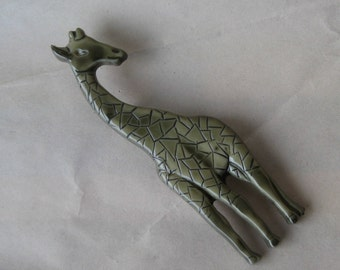 Giraffe Pin Olive Green Plastic Brooch Italy