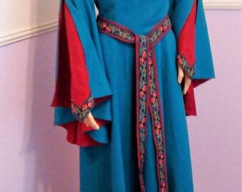Medieval/Renaissance Dress in Linen