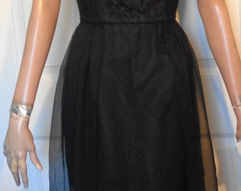 Vintage 50s Black Lace and Chiffon Panels Party Dress B36