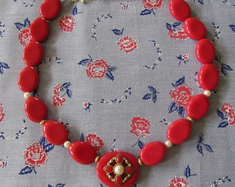 Wonderful Retro Cherry Red Large Flat Bead Costume Jewerly Necklace Adjustable