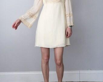 60s cream cotton crochet lace mini mod babydoll smocked dress (xs - s)