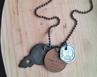 Unisex Bohemian Indie Necklace Key & World Coin Ball Chain - The Passenger II.