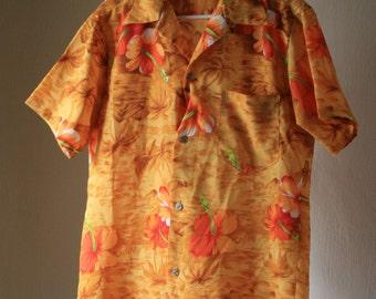 1970s 1980s  Men's orange hawaiian shirt hibiscus palms mountain Medium/Large