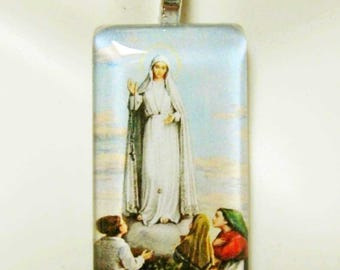 Our Lady of Fatima pendant with chain - GP01-013