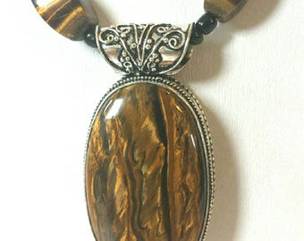 Gorgeous high quality Tiger Eye Sterling Silver pendant necklace