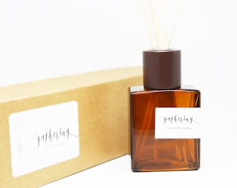 Room Diffuser Oil - Gathering in a Warm Cabin Amber Square Vase, Natural Dyed Reeds Set