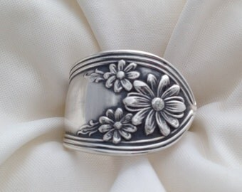 Spoon Ring Daisy 1910, Size 5 to 15 Choose Your Size, Vintage Silverplate Ring, Vintage Ring, Floral Ring, Silverware Jewelry