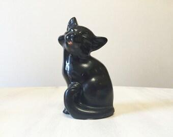 Black cat figurine, vintage cat, vintage figurine, resin cat figure, vintage black cat, halloween cat, cat collectible, vintage cat statue