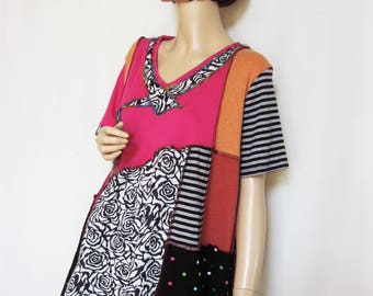 1X to 2X  Pink Black and White Tunic