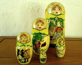 Vintage USSR Russian Matryoshka Nesting Dolls Mother and 4 Daughters