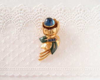 1930s Gold enamel Flower Fur dress Clip with Sapphire Glass Cabochon