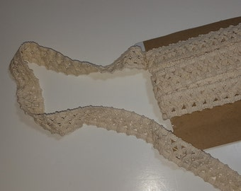 6 yards Trim, cream, cotton lace, chunky, one inch wide