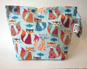 Gorgeous multicolour foxes knitting/spinning/crochet/crafting project bag