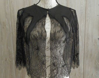 Chantilly lace capelet